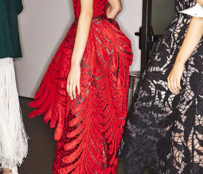 Oscar De La Renta – One-Shoulder High-Low Gown