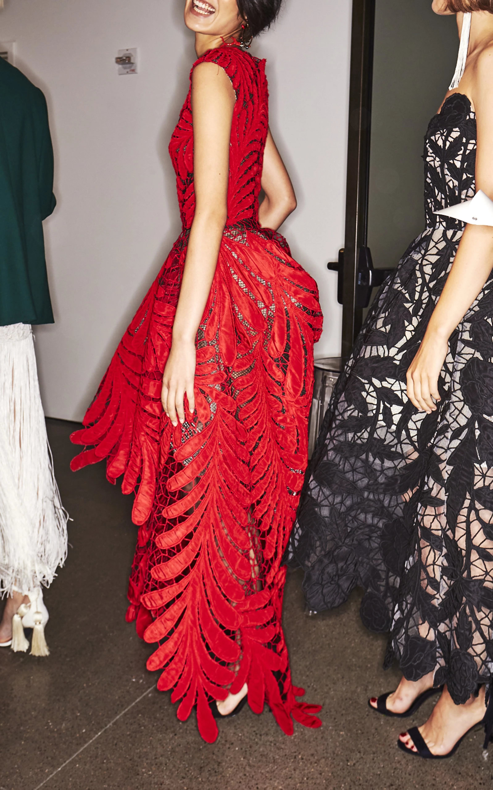Oscar De La Renta – One-Shoulder High-Low Gown
