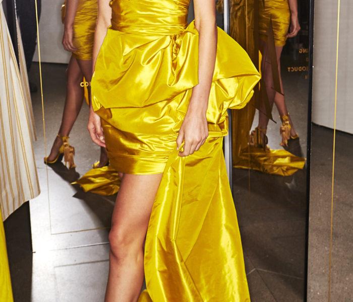 Oscar De La Renta – Ruched Silk Mini Dress With Train