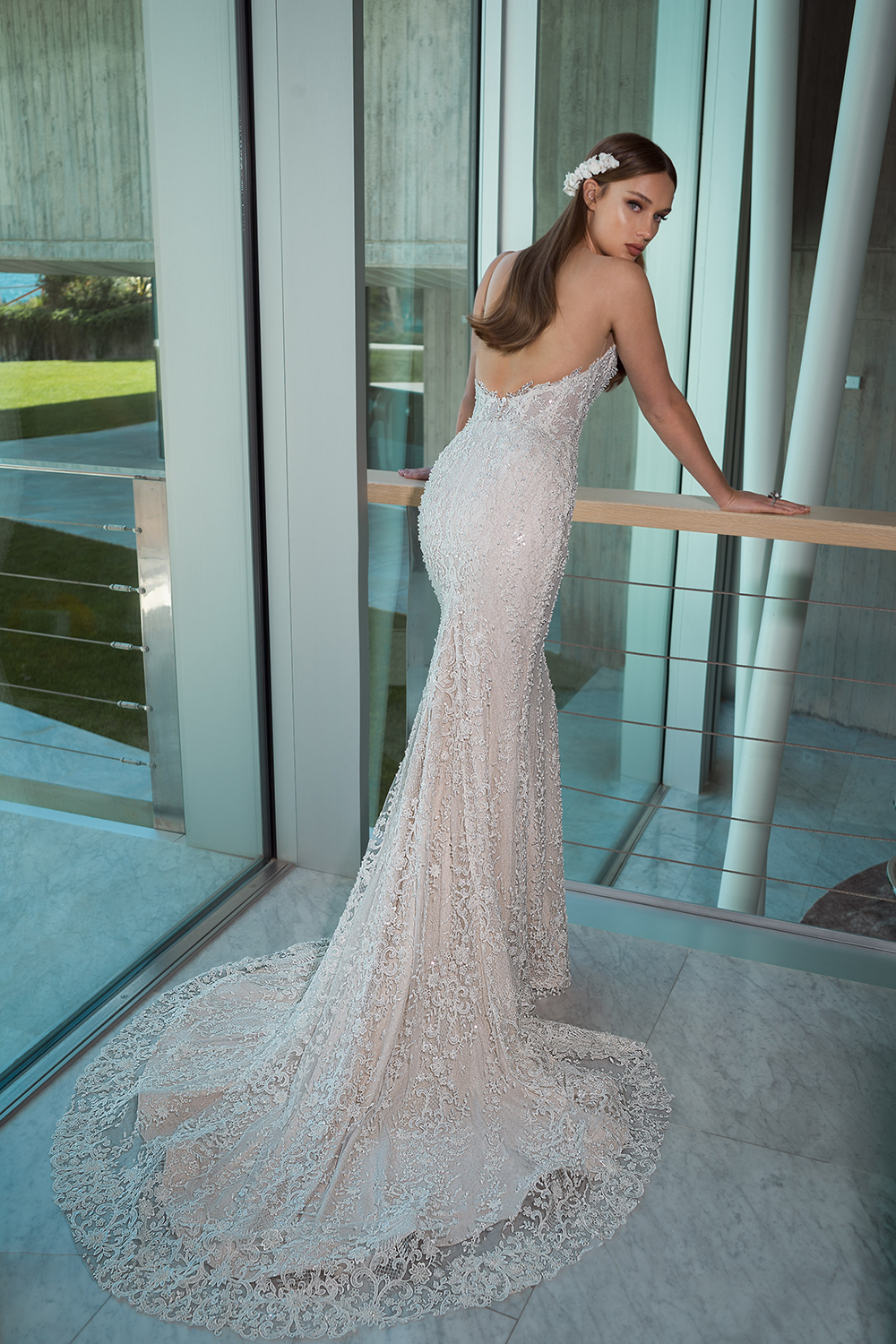 MondoBridal - Crystal Design - The Icon 2019