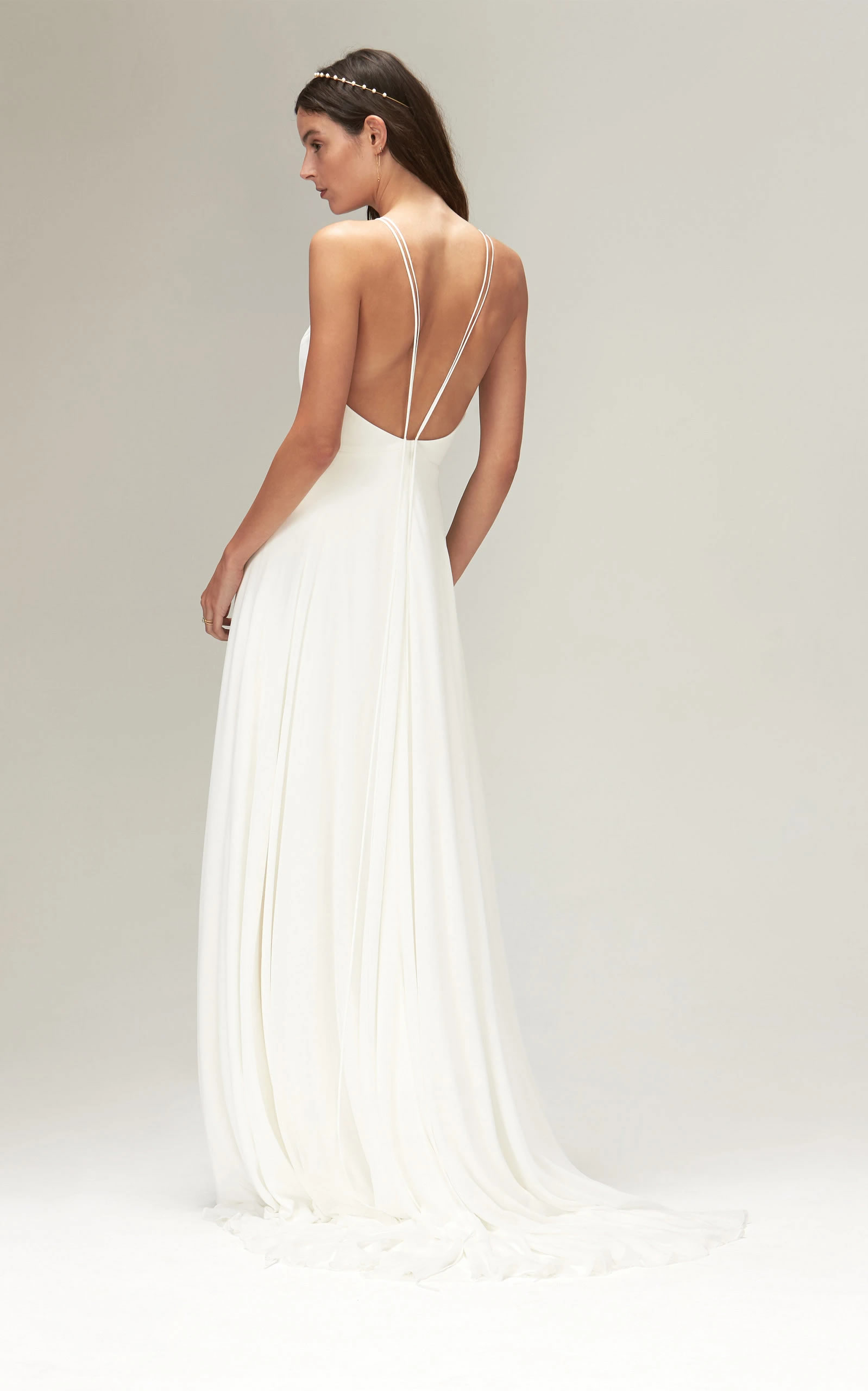 Savannah Miller - Eowyn High Round Neck Gown With Train