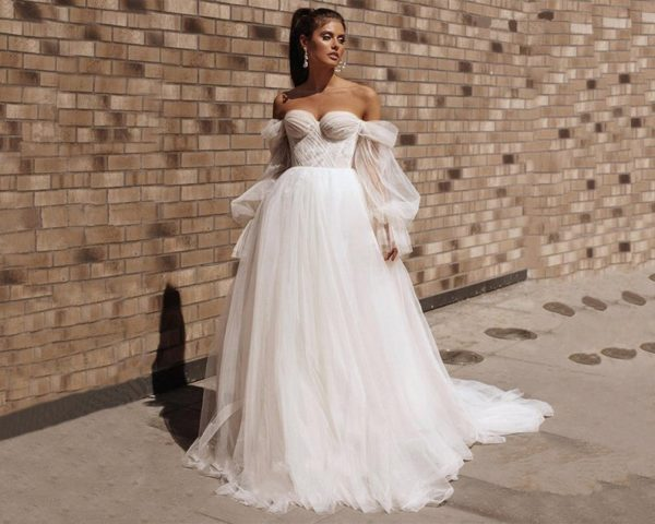 Style #937999489 - Sweetheart Lace Wedding Dress